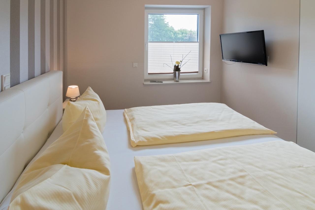 Schlafzimmer (3) web