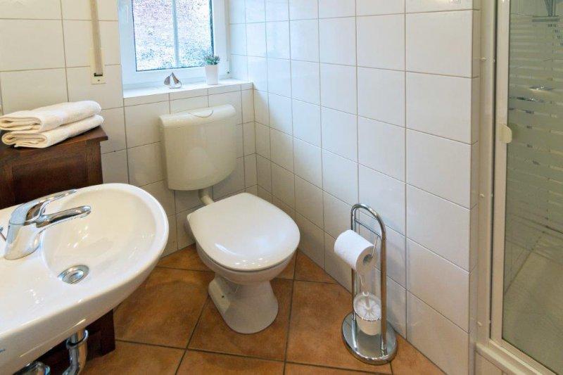 Badezimmer unten mit Dusche