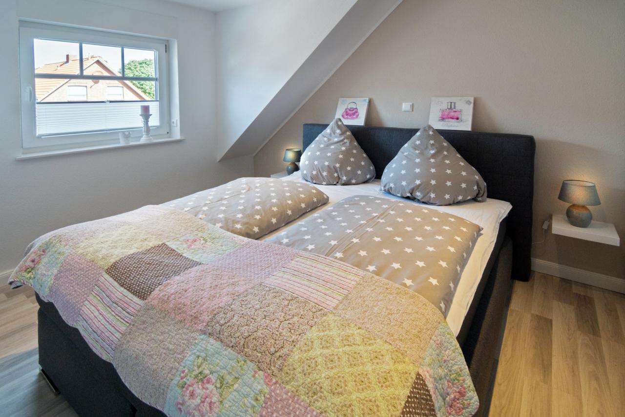 Schlafzimmer 1 (1) web