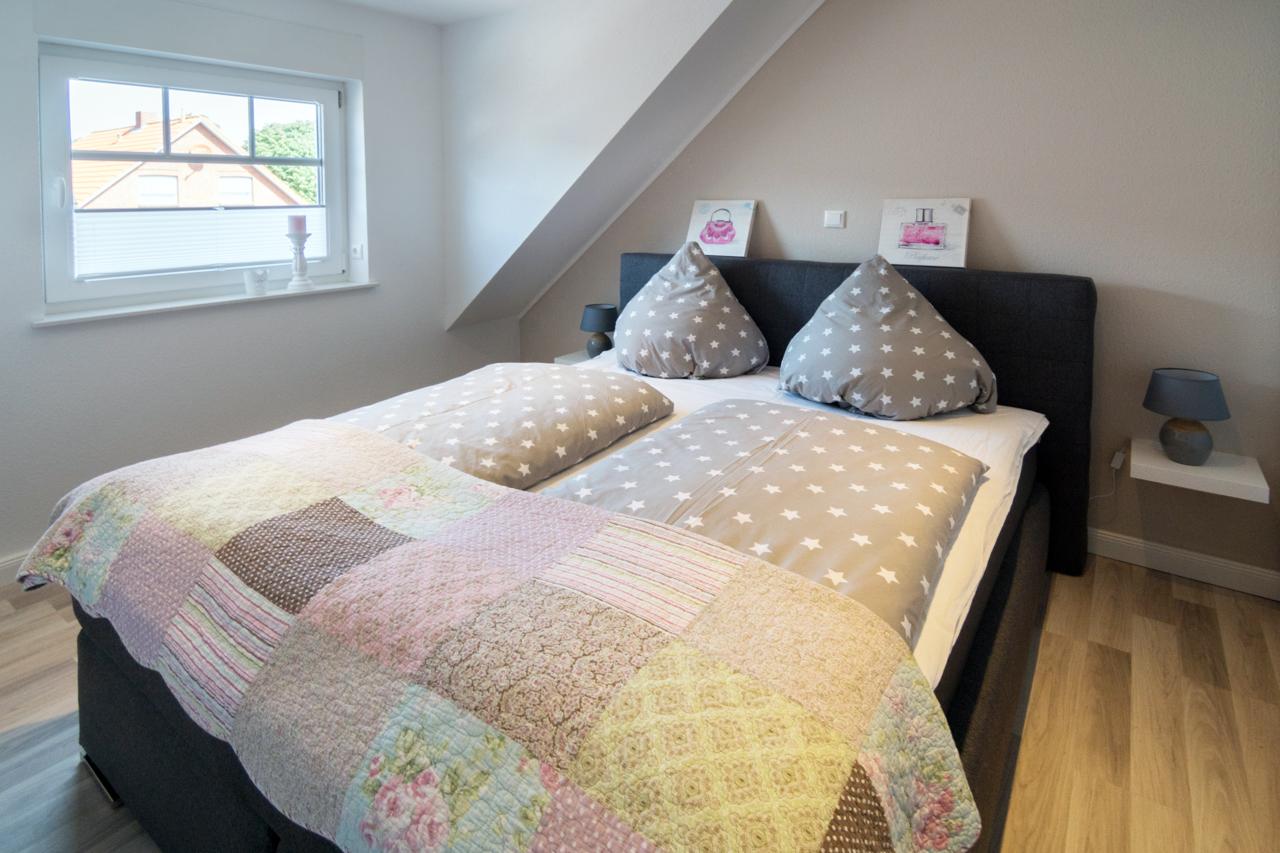 Schlafzimmer 1 (2) web