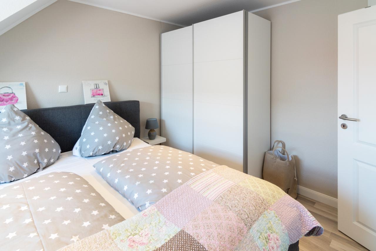 Schlafzimmer 1 (3) web
